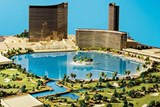 Wynn Scraps Las Vegas Paradise Park Lagoon Project, Plans to Reopen Golf Course