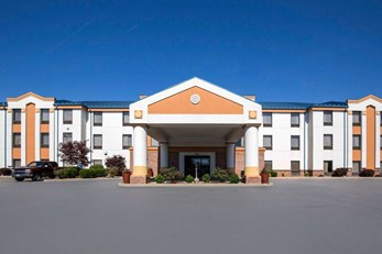 Quality Inn & Suites Arnold