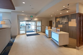 Holiday Inn Express/Suites St Johns Arpt