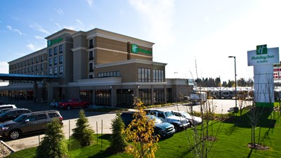 Holiday Inn and Suites Red Deer South
