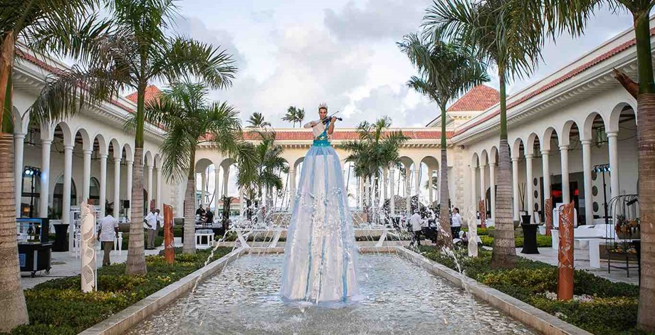 Northstar's Destination Caribbean event featured a violinist in a fountain at the Paradisus Palma Real in the Dominican Republic.