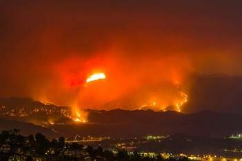 santa-clarita-wildfire-california