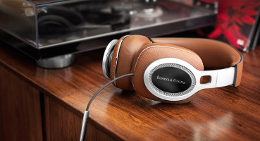/uploadedImages/Merchandise/Cameras_and_Electronics/BowersWilkins_P9_headphones_370x200.jpg
